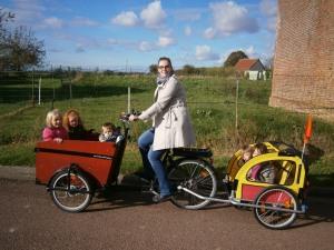 A Revelles, avec Jordane, les enfants vont à l'école à vélo.