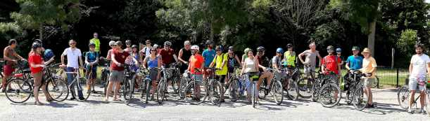 A Amiens, Véloxygène et Altertour ont participé à une balade à vélo le dimanche 15 juillet à la découverte d'Amiens, de ses jardins et lieux alternatifs.